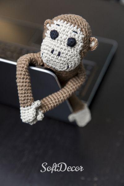 Małpka wykonana na szydełku w SoftDecor na DaWanda.com