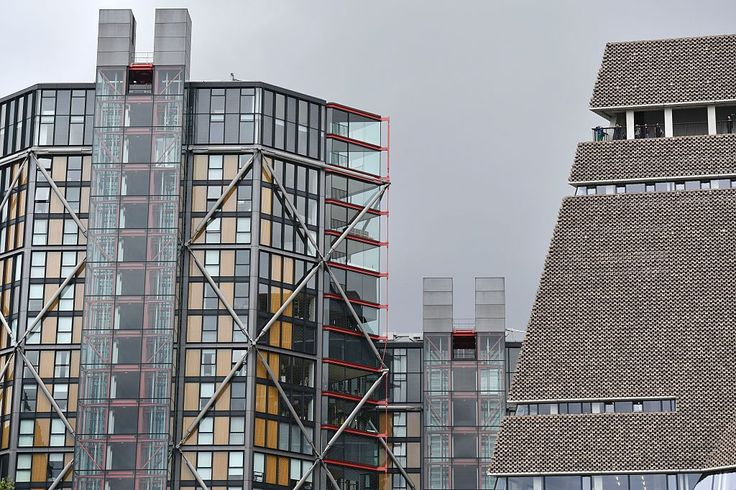 Residents of the Neo Bankside apartments, next door to the Tate Modern, have launched a lawsuit against the museum due to privacy concerns.