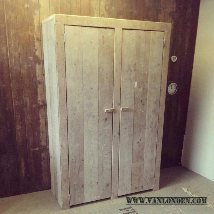 Kledingkast van steigerhout steigerhouten meubelen pinterest van - Kledingkast en dressoir ...