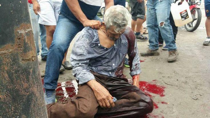 ESTO ES LO QUE ESTA PASANDO AHORA MISMO EN HONDURAS POR EL GOVIERNO DE JUAN ORLANDO HERNANDEZ ,QUE MANDA A LOS MILITARES A MATAR AL PUEBLO SOLO POR AFERRARCE AL PODER ,DESPUES DE HACER FRAUDE EN LAS ELECCIONES ,EL PUEBLO DE HONDURAS NECESITA AYUDA ,ES NECESARIO QUE ESTO QUE ESTA  PASANDO EN HONDURAS ,LO VEA LA COMUNIDAD INTERNACIONAL