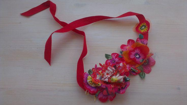 Handmade necklace in soft tissue, power-red. beatrice.cianfrui@facebook.com