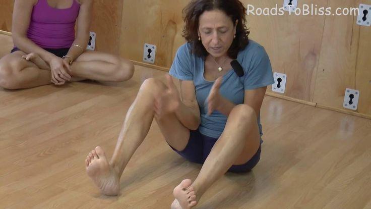 how to become an iyengar yoga teacher