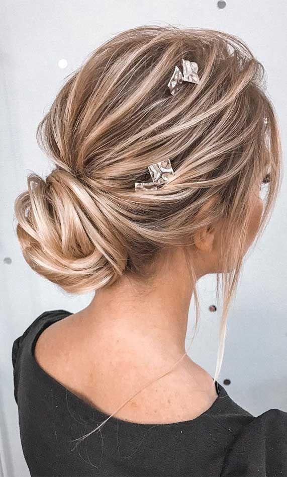 39 The Most Romantic Wedding Hair Dos To Get An Elegant Look Hair Styles Messy Hair Updo Medium Length Hair Styles