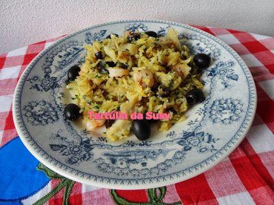 Bacalhau à brás com camarão e alho-francês http://tertuliadasusy.blogspot.pt/2013/05/bacalhau-bras-com-camarao-e-alho-frances.html