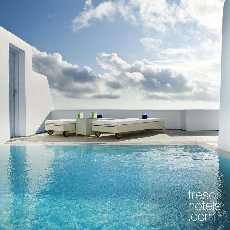 Trésor Hotels and Resorts_Luxury Boutique Hotels_#Greece_ Most Suites have their own private swimming pool and #Jacuzzi. Make yourself a present. Visit #Astra #Suites and live an unprecedented experience!