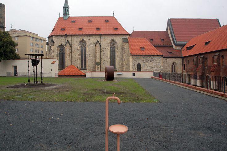 Anežský klášter - sochařská zahrada