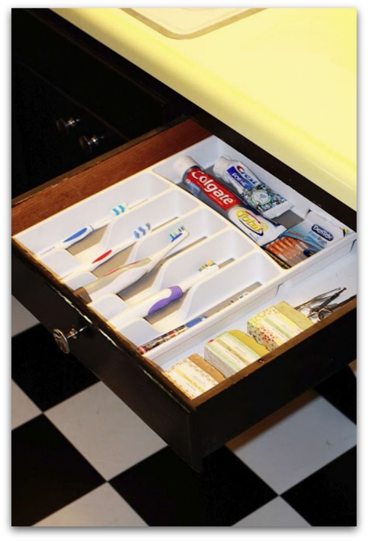would love this for our toothbrushes - keeps them separate and easy to clean it out