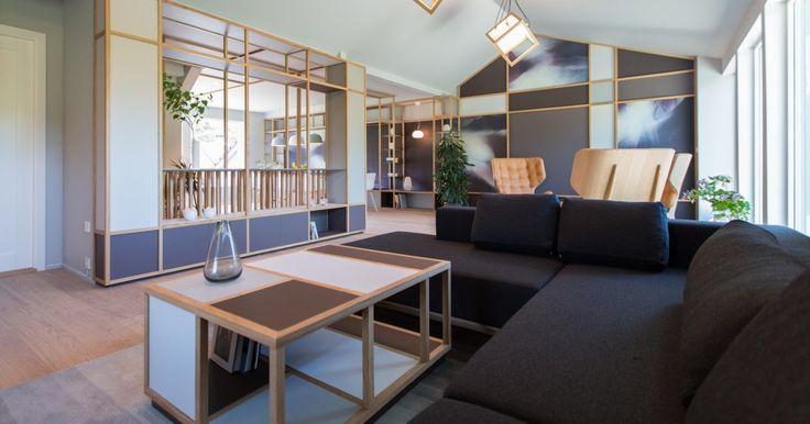 Den slitte stua fra 80-tallet ble til et moderne og åpent rom