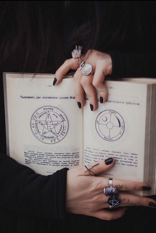 Libro de las Sombras.