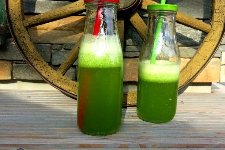 Napój z zielonej pietruszki czyli poświąteczne odtruwanie