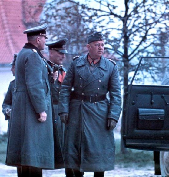 Generalfeldmarschall Walter von Reichenau  http://www.historicalwarmilitariaforum.com/topic/6937-ritterkreuztr%C3%A4ger-photos-in-color-thread/