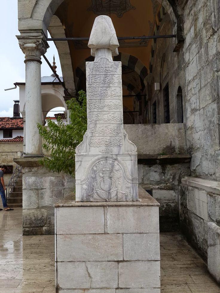 Sadrazam İzzet Mehmet Paşanın Mezar Taşı Yazıtı