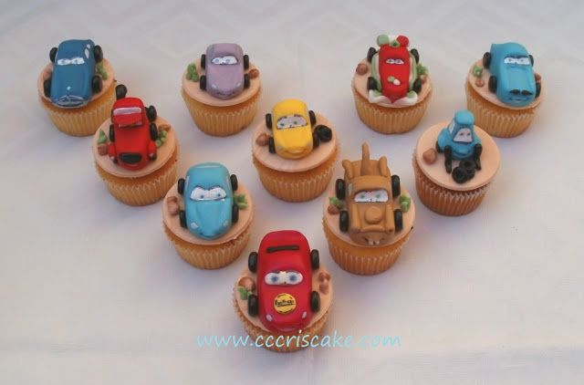 Torturi artistice: Cars cupcakes