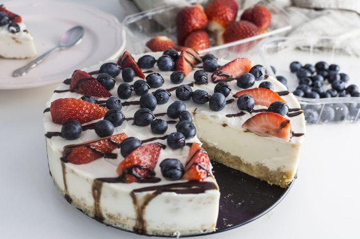 Det är svårt att hitta ett bra cheesecake recept om man är mjölk/ägg allergiker, vegan eller om man av några andra skäl vill undvika mjölk och ägg. Det finns många recept på raw cheesecake. Fryst ocks