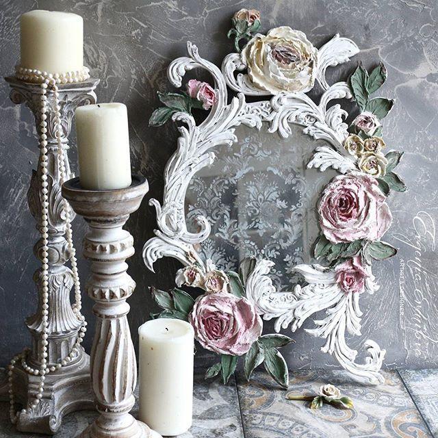 Пусть зеркало уже нашло своего хозяина, но его фотографии продолжают вас радовать. Мое первое состаренное зеркало с орнаментом в раме ручной работы.  #евгенияермилова #состаренноезеркало #декоративнаяштукатурка #цветысвоимируками