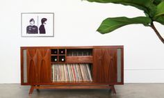 luno-egb2-record-player-console-whiskey-glasses                                                                                                                                                     More