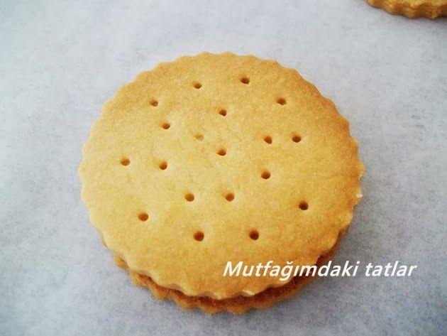 Neredeyse orijinal Çokoprens tadında bir tarif oldu . Özellikle çocukların doğum günlerinde yapılabilecek bir kurabiye. Daha...