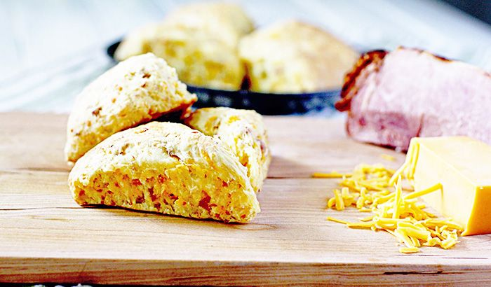 Turn leftover holiday ham into something even more scrumptious with this ham and cheese scones recipe inspired by the #Ziploc #HolidayCollection.
