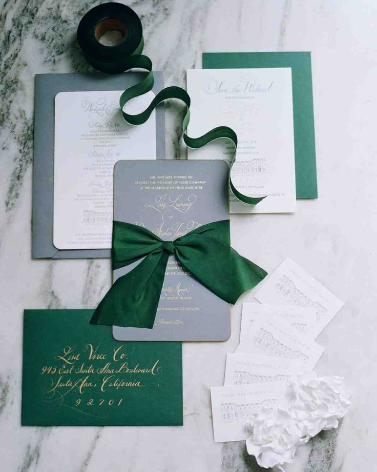 """A Timeless New England Wedding at a Newport Mansion 