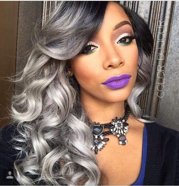 Femme noire aux cheveux gris