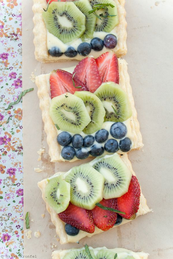 Delicious Shots: Fruit Tart with Cardamom Cream