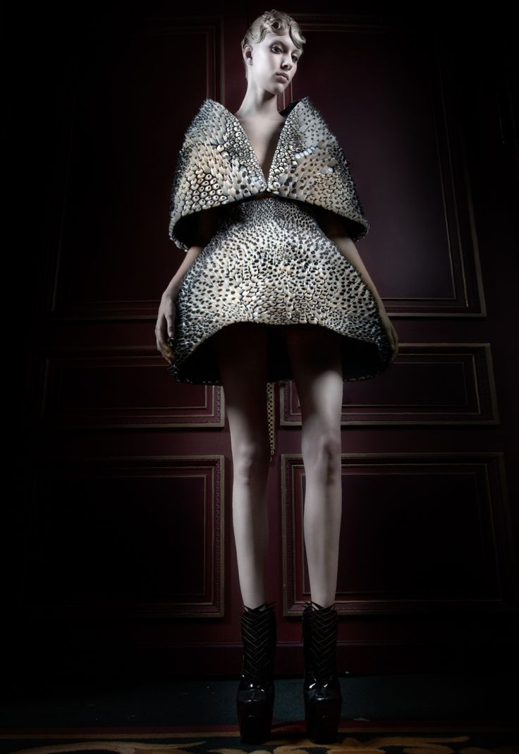 Artistic Fashion - 3D dress with exaggerated silhouette & graphic textures; sculptural fashion // Iris Van Herpen