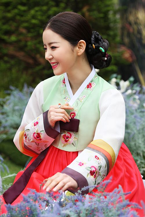 Loving Asian Culture: Traditional Costumes | Sparkling Glimmerella - Korea