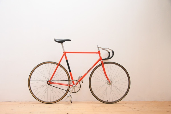 """With their colourful, customisable wheels and lightweight frames, fixed-gear bikes make a bright addition to the hordes of traditional bikes in Chinese cities. """"Fixies"""" as they are known for short are becoming increasingly popular among cyclists in China, both as a way to keep fit and a fashion accessory."""