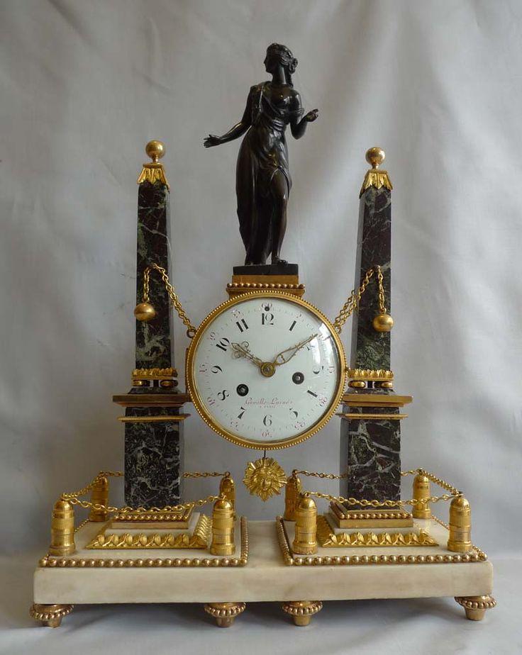 Reloj de la chimenea francés Louis XVI en bronce dorado y mármol por Gavelle Laine c.1785