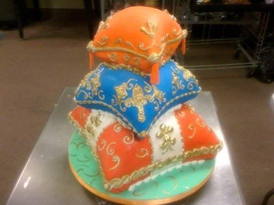 Royal Blue and Gold Wedding Cakes | Royal Blue and Silver Wedding ...