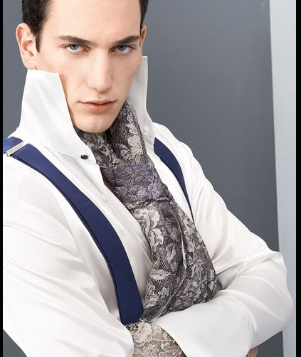 Un abito da favola anche per lui. Lo sposo Cleofe Finati: l'anima di un principe moderno, di un dandy contemporaneo e dell'uomo fashion ma di classe.