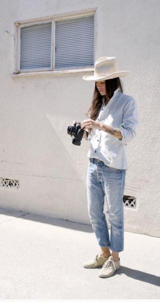 Tasya van Ree - Faded jeans
