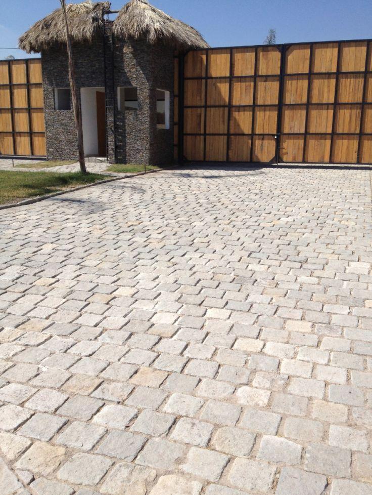 17 mejores im genes sobre pisos en pinterest madeira for Piedras marmoles y granitos