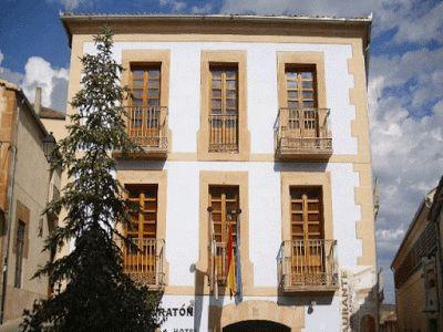 ALOJADOG   Alojamientos que admiten Perros, Mascotas y Animales de compañía: Hoy conocemos a: Hotel Rural Vado del Duratón (Sep...