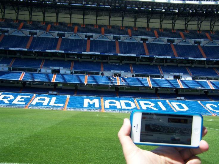 "Te quiero e-evros.gr  Tο ότι θα ""παίζαμε μπάλα"" στο Estadio Santiago Bernabéu της Ρεάλ Μαδρίτης δεν το περιμέναμε!  Χάρη στον Θανάση όμως πήραμε τον ""βασιλικό"" αέρα από το θρυλικό γήπεδο της Μαδρίτης στην Ισπανία."