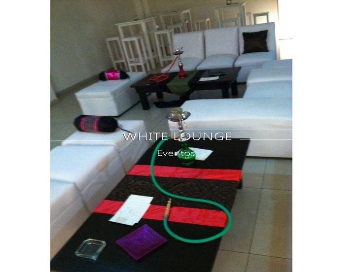 Alquiler de mobiliario Lounge, renta de audio e iluminación, lámparas inalámbricas.