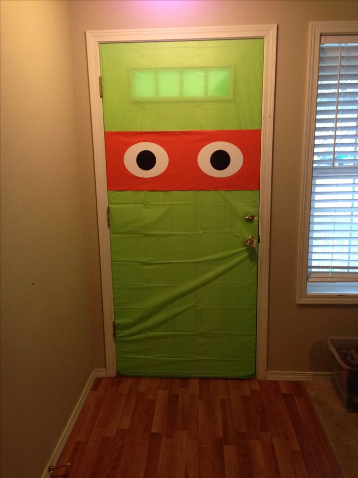 Decoracion de puerta para fiesta de Tortugas Ninja. #FiestasImfantiles