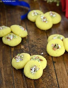 Malai Peda recipe | Mali Peda Mithai Recipe | by Tarla Dalal | Tarladalal.com | #2055