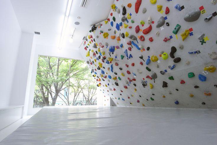 渋谷明治通り本店 | Bouldering studio PEKIPEKI