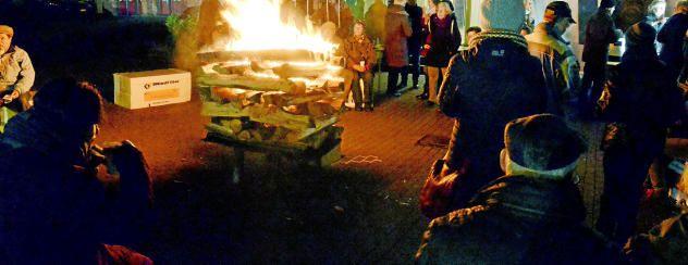 #Lagerfeuer vertreibt die Dunkelheit - Thüringer Allgemeine: Thüringer Allgemeine Lagerfeuer vertreibt die Dunkelheit Thüringer Allgemeine…