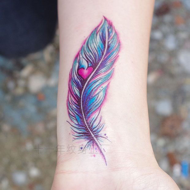 25 Best Feather Tattoo Quotes On Pinterest: Best 25+ Small Feather Tattoos Ideas On Pinterest