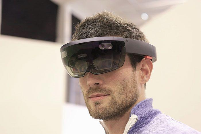 Clarte propose 4 formations autour de la réalité virtuelle - Une formation réalité augmentée dédiée aux Frameworks RA présent sur le marché (Vuforia, ARToolkit, Wikitude) afin de développer vos propres applications sur Windows, Android, OS X et iOS.