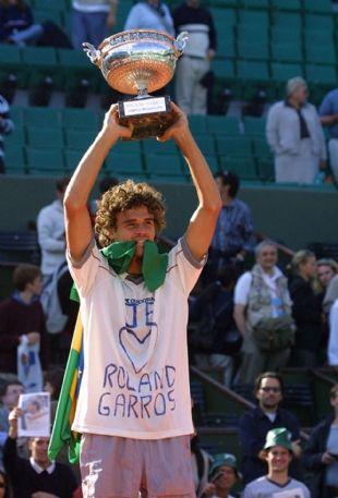 Gustavo Kuerten, três vezes campeão em Roland Garros! - Allez Guga!