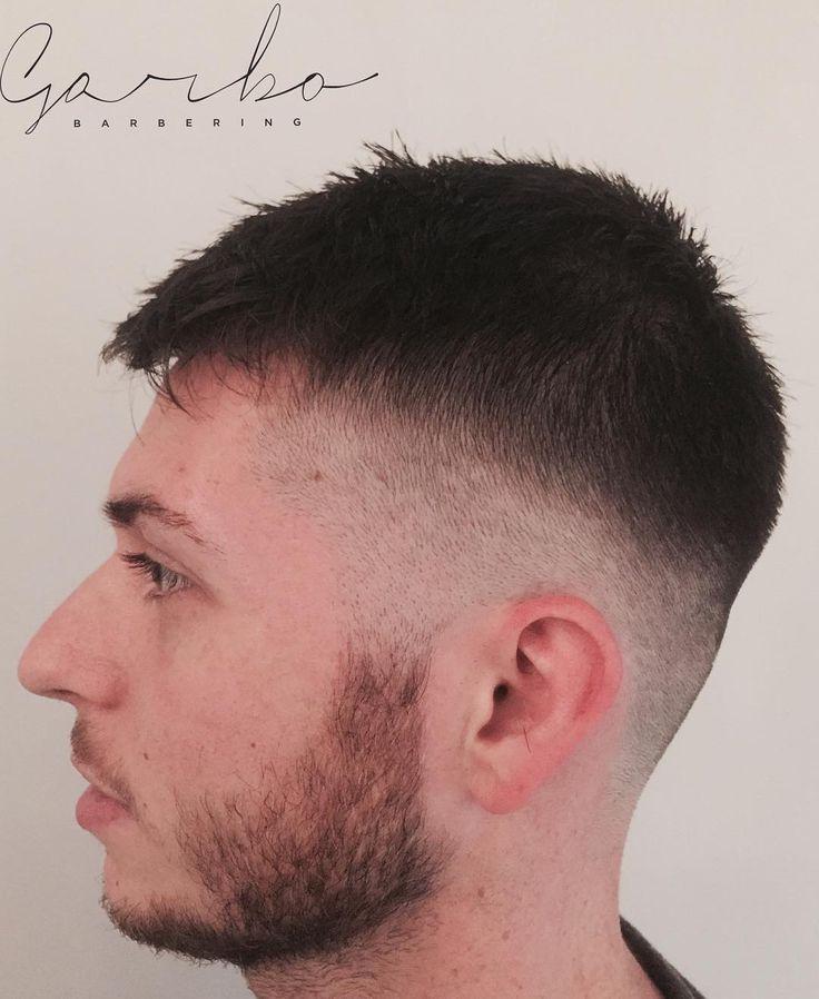 Eccovi uno scatto del grande @_zivi  --- #garbobarbering #uomo #taglio #capelli #sfumatureneicapelli #nuovotaglio #nuovo #moda #tendenza #barberia #instahair #gropellocairoli #garlasco #vigevano #pavia #milano