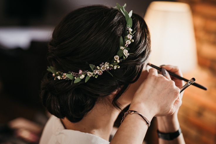 INNA Studio_flowers in the hair / kwiaty we włosach na ślub / wianek / fot. Happy Stories