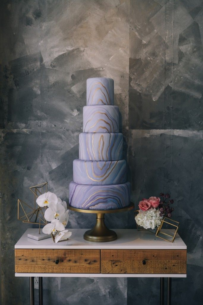 Gorgeous marbled wedding cake