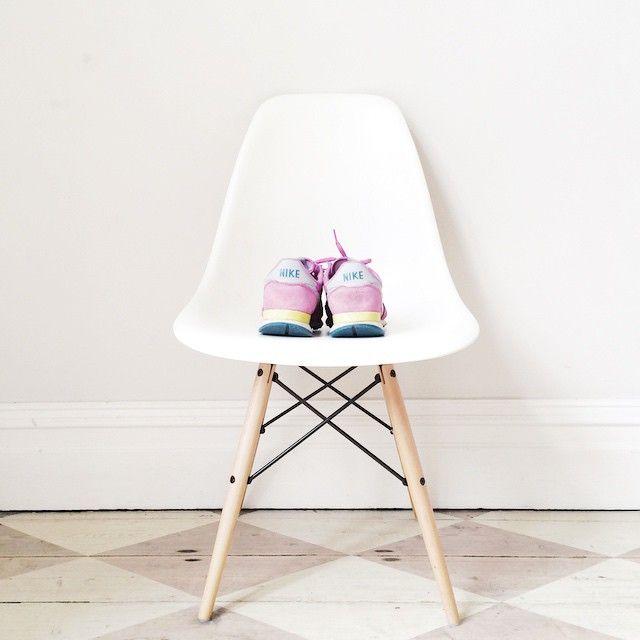 Eames blanca