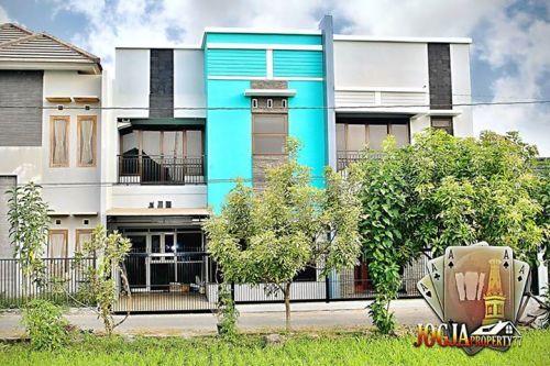 RUMAH MODERN MINIMALIS 2 LANTAI (FULL FURNISHED) SELATAN AMPLAZ Sorowajan Baru, Banguntapan Banguntapan » Bantul » Yogyakarta