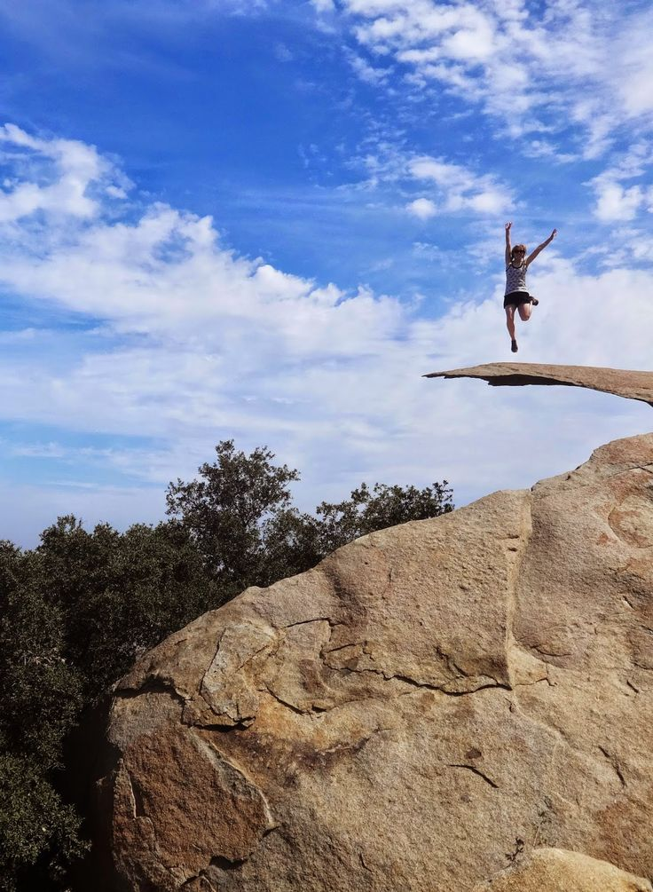 Potato Chip Rock - Mt Woodson Trail, San Diego - Hiking Trail