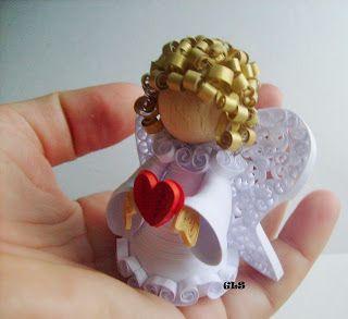 GLS2007: Angels. péřové materiál
